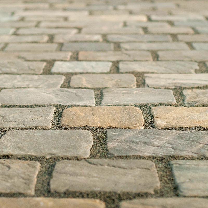 Pavimentazione stradale in pietra naturale